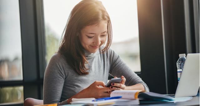 students multitasking while studying